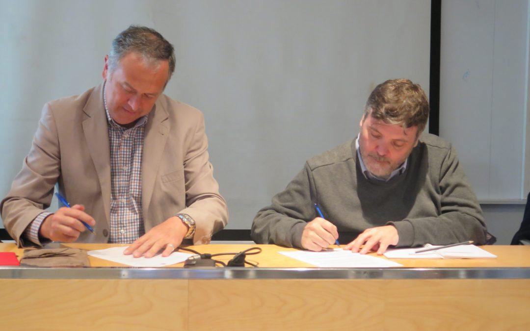 Firmamos un nuevo convenio con el Institut Les Salines