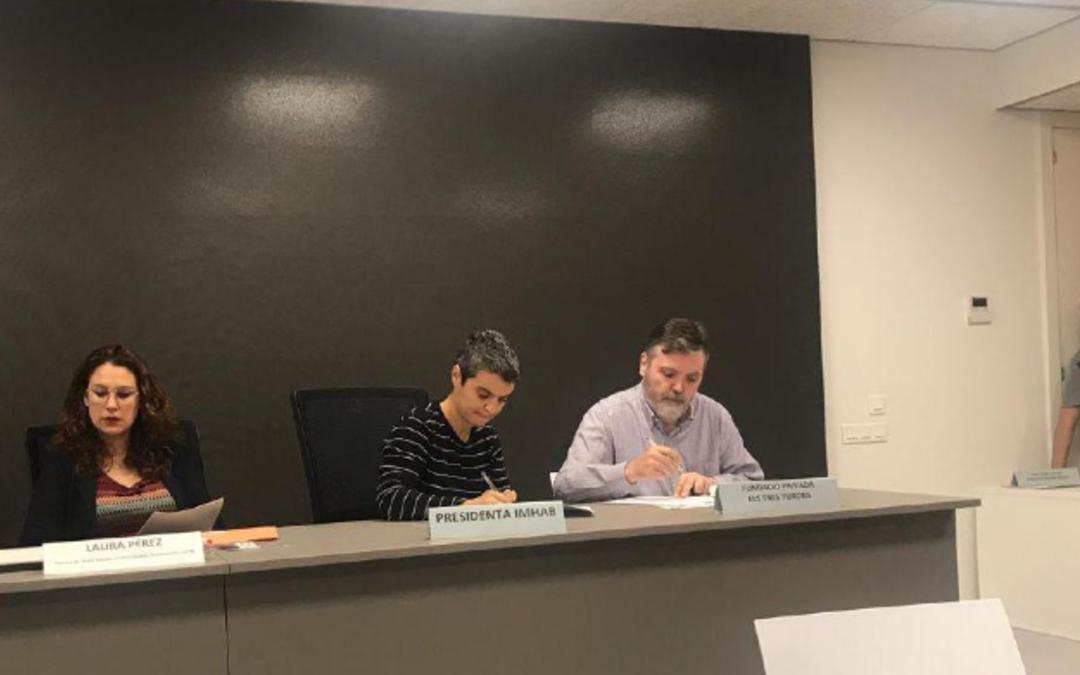 Firmamos el convenio del piso de Encuny